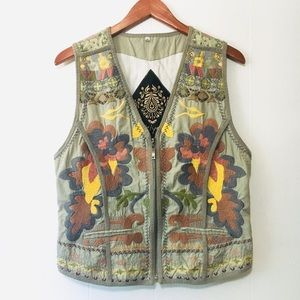 • BIYA by JOHNNY WAS cute embroidered vest •